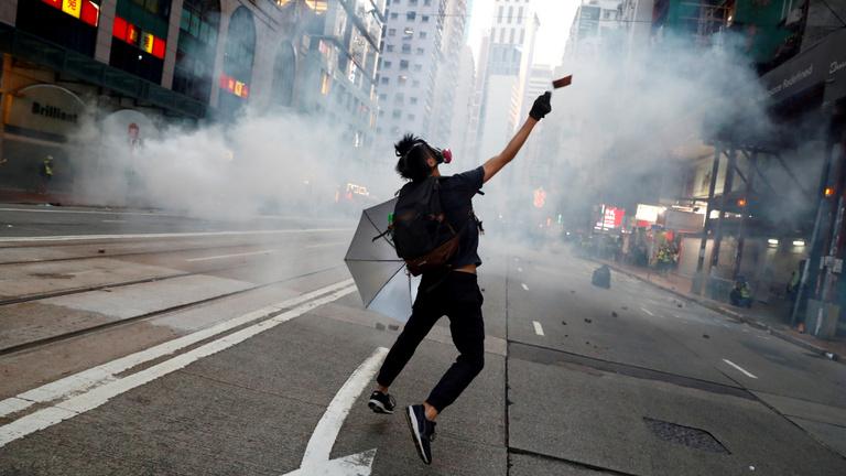 Videójátékos taktikákat használtak a hongkongi tüntetők