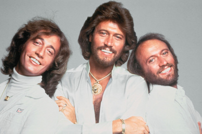 barry-gibb-cover