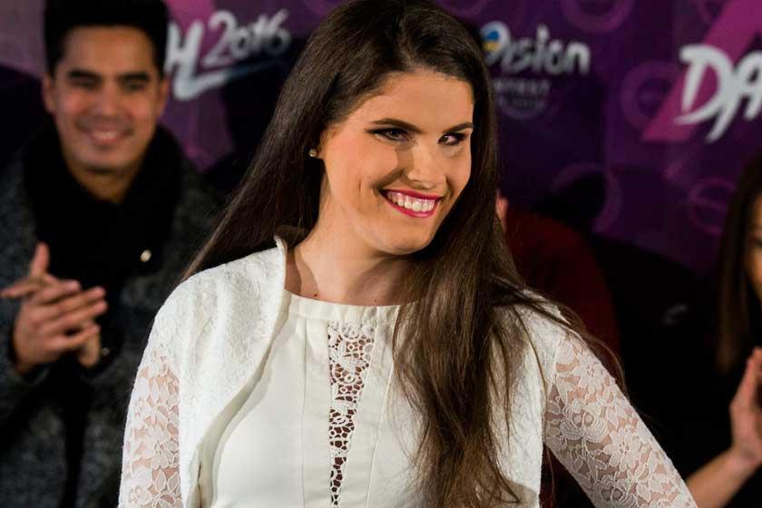 Agárdi Szilvi tini énekesnőként lett ismert: ma ő a világ első látássérült bikinimodellje