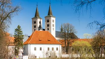 Szögdarabot találtak egy cseh kolostorban Jézus Krisztus keresztjéből