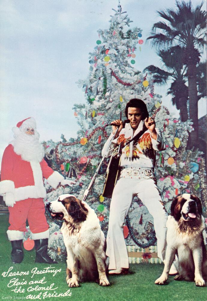 """Ebben a galériában olyan képeket láthat majd, amelyeknek egymáshoz igazából semmi köze, de valamilyen formában mind a karácsonyhoz kapcsolódik, és amikor megláttuk őket, azt mondtuk rájuk, hogy """"nahát"""", esetenként azt, hogy """"jesszus, mi ez"""".Erre a karácsonyi üdvözlőlapra, amelyet Elvis Presley a hetvenes évek közepén küldött ki, például az utóbbit mondtuk."""
