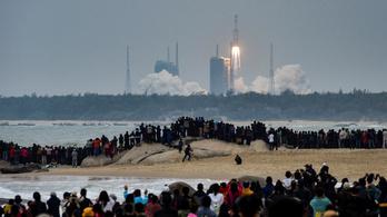 Új rakétát küldött az űrbe Kína