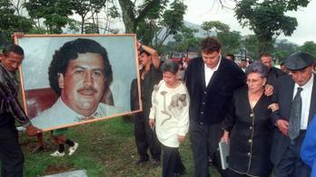 Escobar üldözői az Indexnek: volt, hogy bankjegyekkel fűtött be a drogbáró