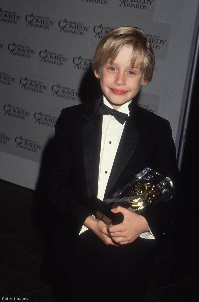 Ez a kép akkor készült, amikor Culkin elnyerte a Reszkessetek, betörők!-ért a legviccesebb színésznek járó díjat az 1991-es American Comedy Awardson