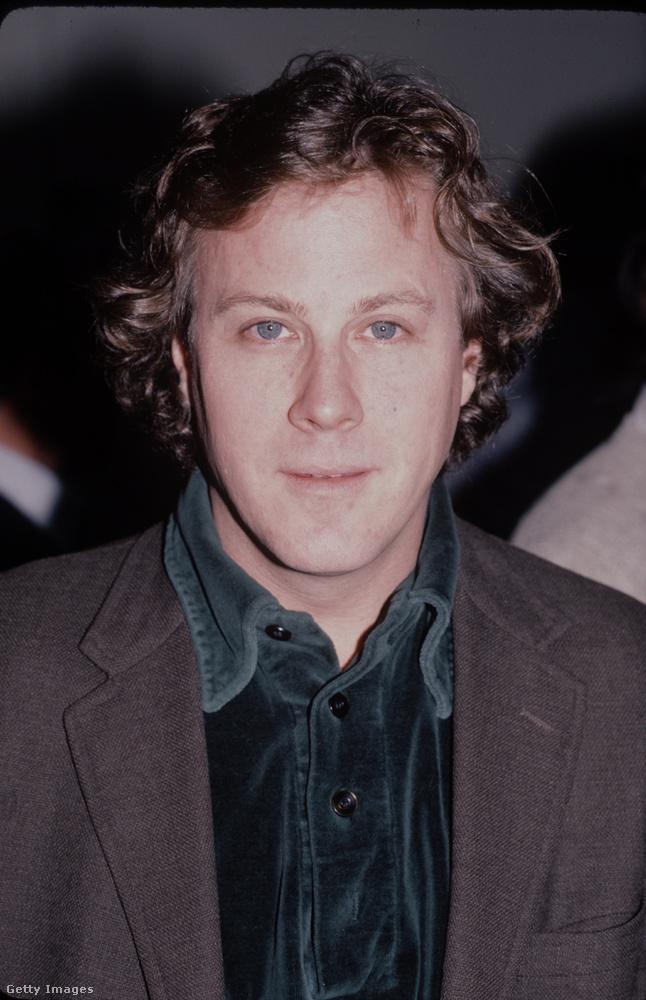 Ő pedig McCallister apuka a filmből, John Heard