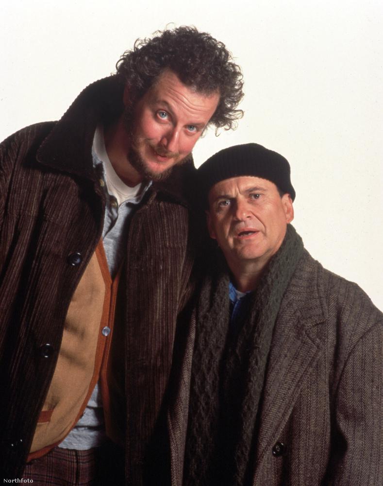 Ők ugye Daniel Stern és Joe Pesci a két bűnöző, Harry Lime és Marv Merchants szerepében.