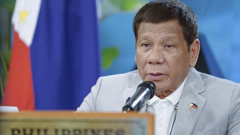 Már nem csak a kommunistákkal vív háborút Duterte