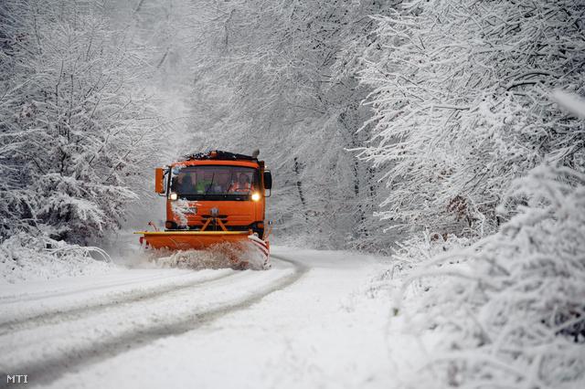 Index - Belföld - 12 centi hó esett a Kékestetőn b0501d3239