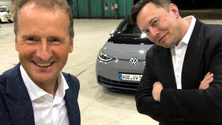 Herbert Diess (bal), Elon Muskot már felismerjük