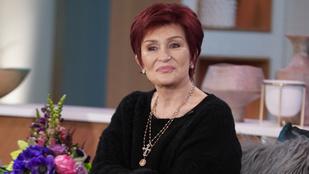 Sharon Osbourne hazatért a kórházból, heten várták egy kanapén