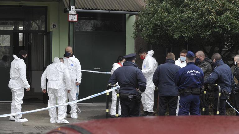 Rendőrre támadt Újpesten egy késelő, egy másik rendőr lelőtte