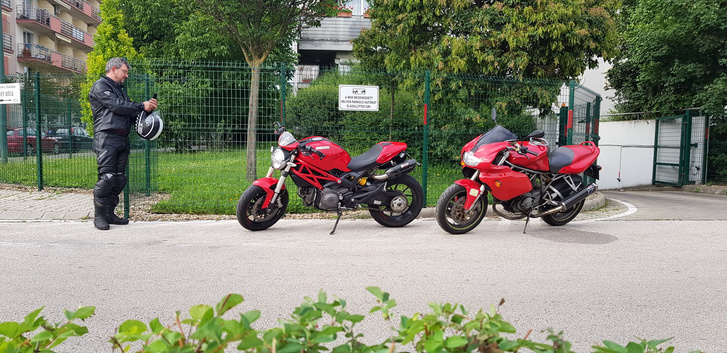 Lacus barátommal Ducatikat cserélünk