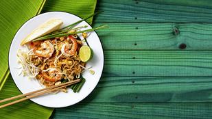 Nyaralós hangulat ON: egyszerű nyáridéző pad thai garnélával