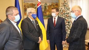 Már csaknem 900 ezer maszkot vitt el Kárpátaljára az Ökumenikus Segélyszervezet