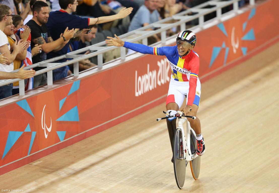 Novák Károly Eduárd ünnepli győzelmét a 2012-es paralimpiai játékokon Londonban szeptember 1-jén