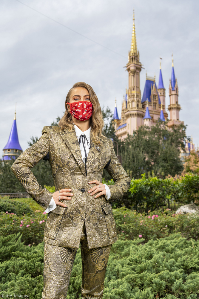 Karácsony napjára ismert személyekkel telt meg a Disneyworld néven híres vidámpark Floridában