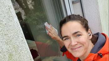 Szabó Tímea keményen nekiment Novák Katalinnak, elmagyarázta, hogyan kell valóban ablakot pucolni