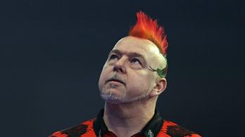 Bombameglepetés: a címvédő Peter Wright kiesett a darts-vb-n!