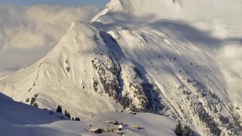 A tömeg miatt gyorsan zárultak az osztrák sípályák
