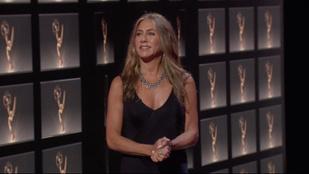 Jennifer Anistont covidos karácsonyfadísze miatt kritizálták