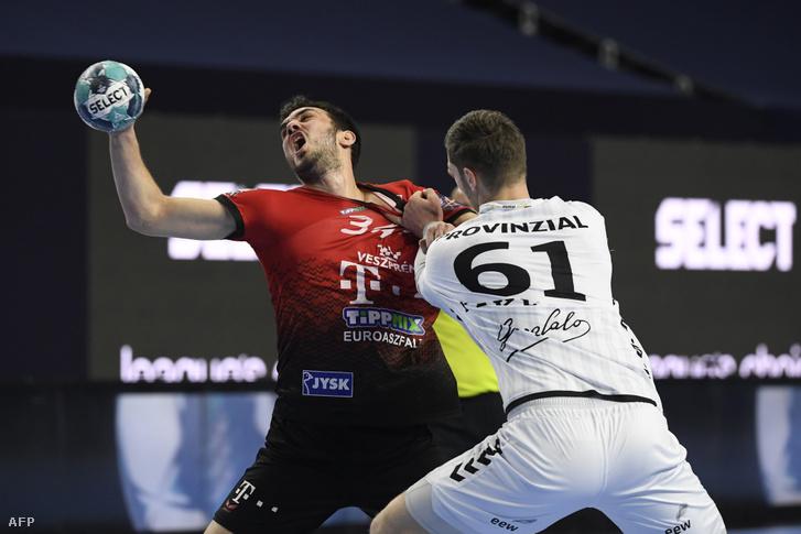 Petar Nenadics borzalmasan játszott az első félidőben