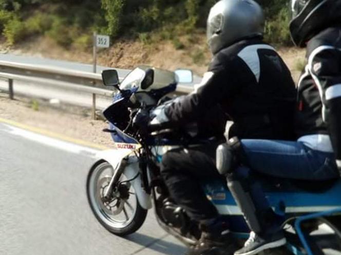 Boldog, motorozásban gazdag új évet mindenkinek!