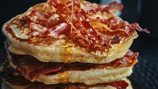 Ha van néhány szabadnapod, ne hagyd ki a reggeli baconös palacsintát!