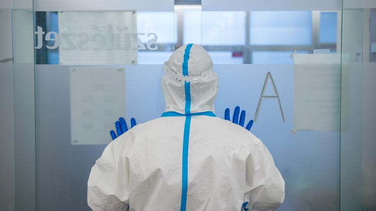Ismét 130 felett a koronavírus hazai áldozatainak száma