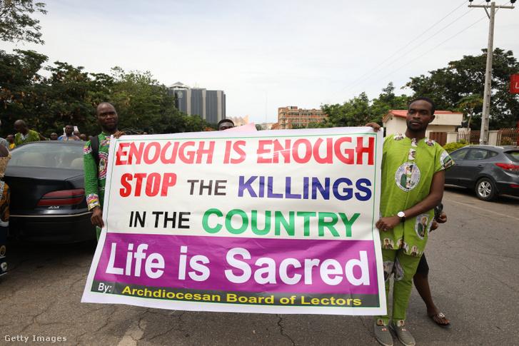 A katolikusok ellen elkövetett erőszakos cselekedetek elleni tüntetés Abujában, Nigéria fővárosában 2018 május 22-én