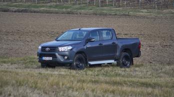 Használtautó: Toyota Hilux 2.4 D-4D (2017)