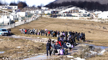 Nem tudták elszállítani egy bezárt menekülttábor lakóit Boszniában