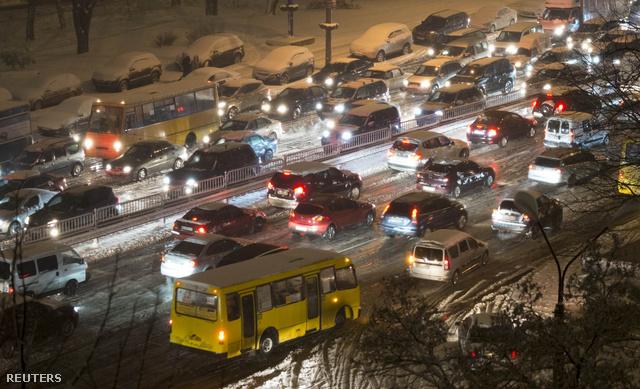 2012-12-03T154708Z 388122986 GM1E8C31TXV01 RTRMADP 3 UKRAINE (1)