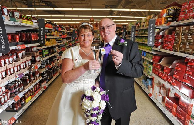 Mike és Maggie Davies - rengeteget vásároltak és adtak el itt