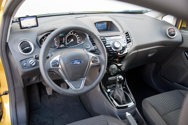 Totalcar - Tesztek - Bemutató  Ford Fiesta 2013 5e7b4f2084