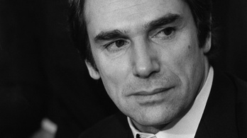 Elhunyt Robert Hossein, Belmondo ellenfele