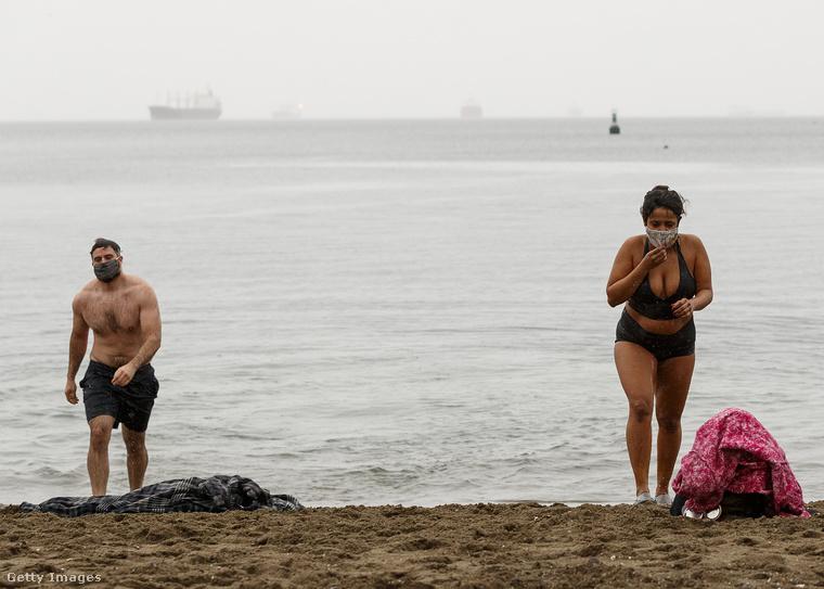 Vancouverben szokott lenni egy Polar Bear Swim nevű esemény minden év január elsején: az önmagukat jegesmedvének érzők ekkor újév alkalmából meg szoktak fürdeni az óceánban