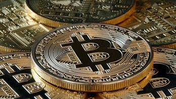 Átlépte a 30 ezer dolláros árfolyamot a bitcoin