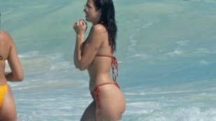 Dua Lipa Mexikóban strandol éppen