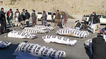 Szénbányászokkal végeztek ismeretlen fegyveresek Pakisztánban