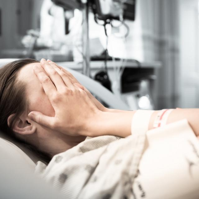 A hormonfröccs rémisztő tünetekkel járhat: sok kismama nem számít rá, pedig közvetlenül szülés után gyakori