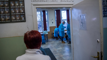 PSZ: az oktatásban dolgozók is szerepeljenek az oltási tervben