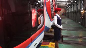 Munkába álltak az első metróvezetőnők Moszkvában