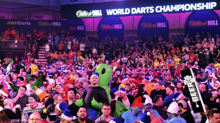 A jelmezek és a szurkolók is hiányoztak a 2021-es darts-világbajnokságról