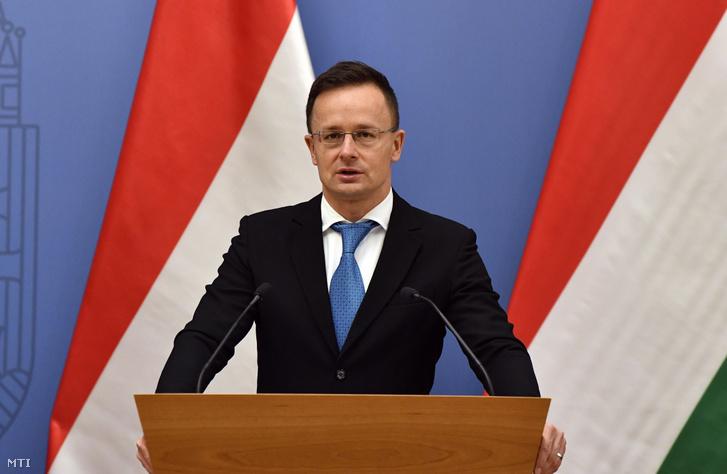Szijjártó Péter külgazdasági és külügyminiszter a Külgazdasági és Külügyminisztériumban tartott sajtótájékoztatón 2020. december 18-án