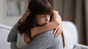 Hagyd a gyereket hibázni, a javára válik. Ha túlfélted, azzal csak ártasz neki