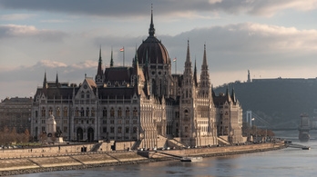 Vizsgálják Magyarországot – vajon hogyan értékelik ezt majd a hitelminősítők?