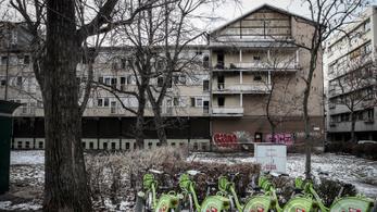 Börtönt kértek a Ráday utcai kollégium tini gyújtogatóira