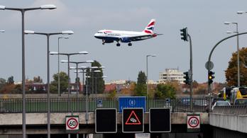 Feloldják a légtérzárat, ismét jöhetnek Nagy-Britanniából repülők