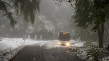 Odaszúrtak a meteorológusok a Közútnak: havazni fog, készüljetek fel!