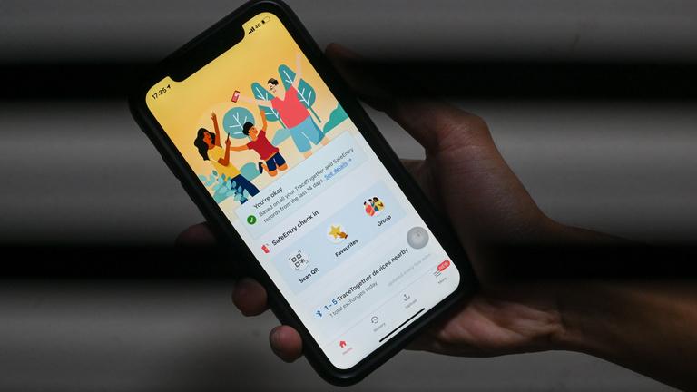 Átadja a rendőrségnek a kontaktkutató app adatait Szingapúr